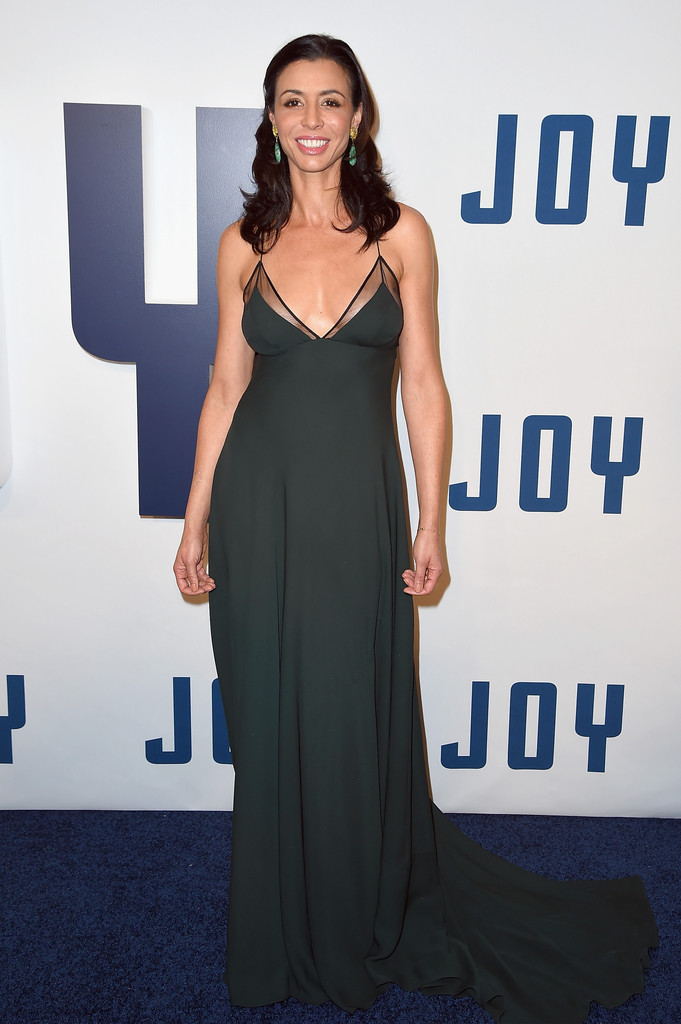 drena-de-niro-wearing-sophie-theallet-joy+Premiere+Red+Carpet.jpg