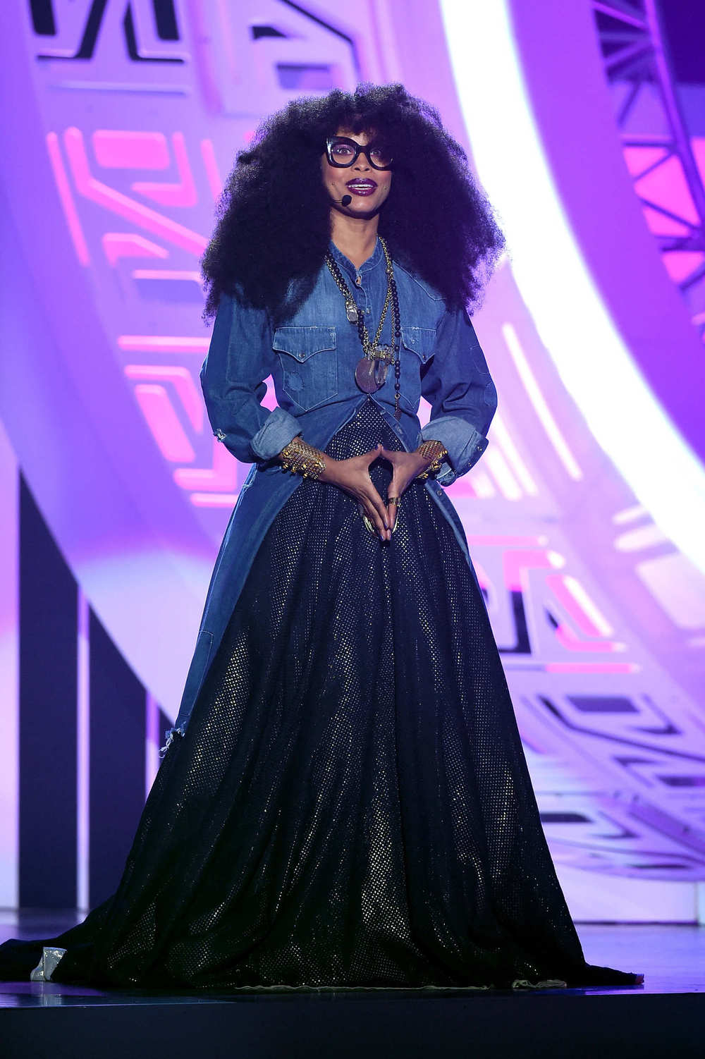 erykah-badu-wearing-sophie-theallet-Soul-Train-Music-Awards-.jpg