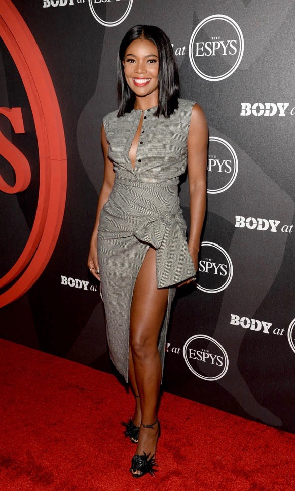 gabrielle-union-in sophie theallet-hip-knot-13jul16-06-2.jpg