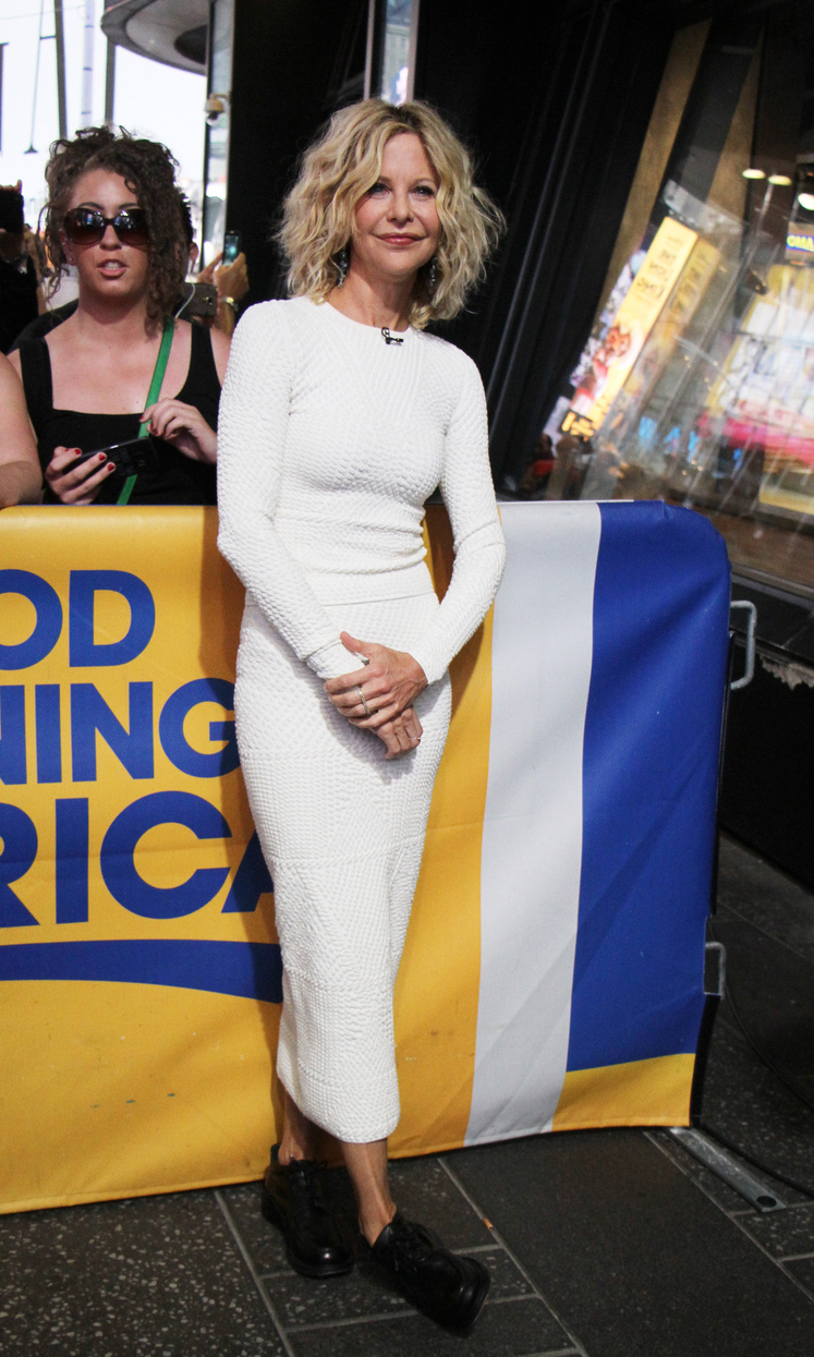 Meg Ryan wearing sophie theallet - good morning america september 16.jpg