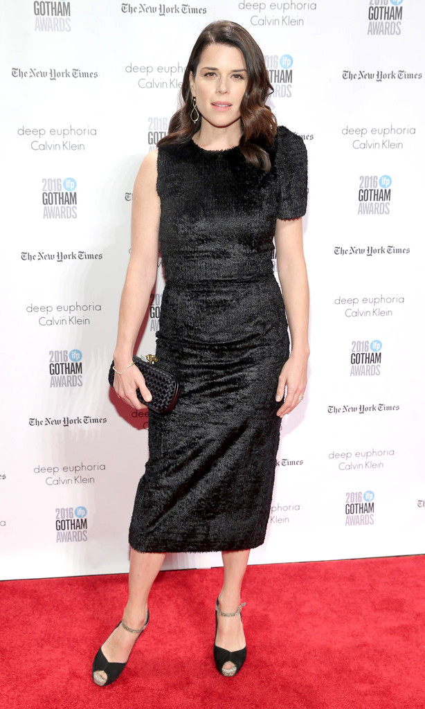 Neve+Campbell+wearing+sophie+theallet+IFP+26th+Annual+Gotham+Independent+film+award.jpg