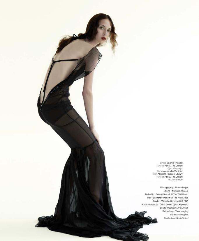 Waleska Gorczevski, photo by Tiziano Magni, styled by Nathalie Augussol - UBIKWIST