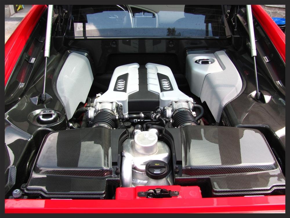Audi R8 V8 Engine Detailing