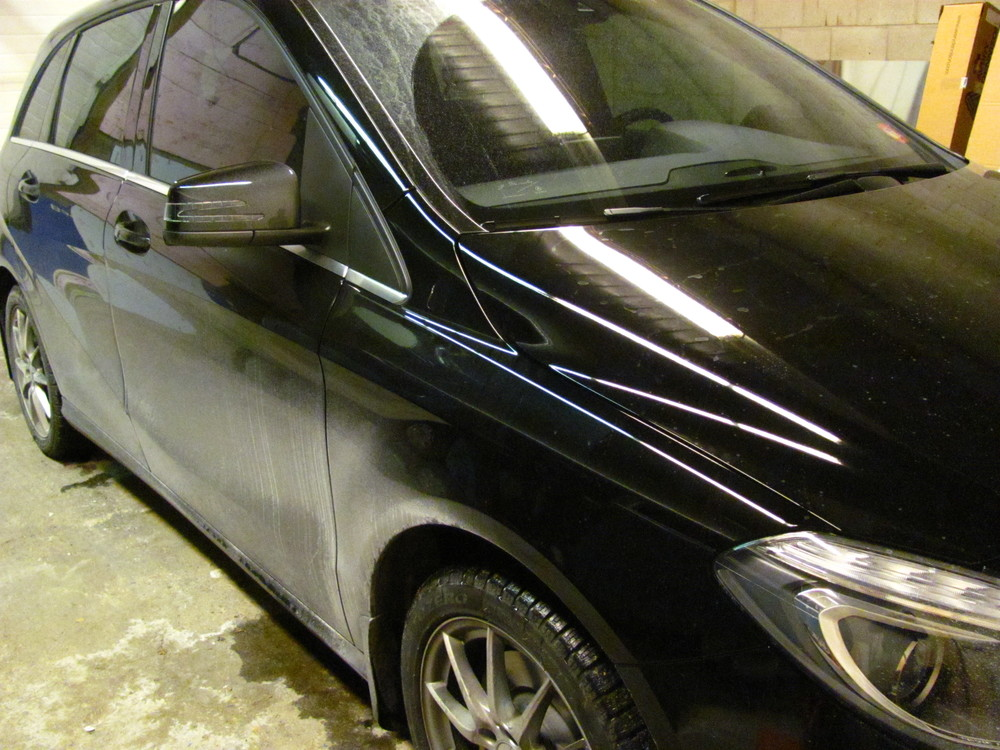 Mercedes-Benz B250 Dirty Car