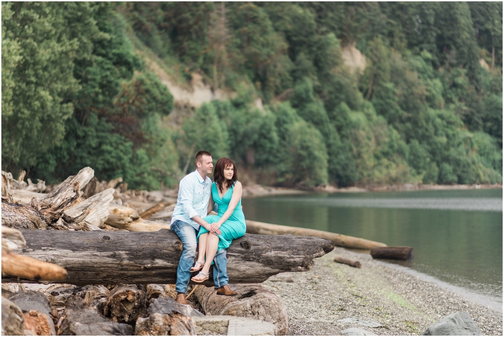 PNW Beach Engagement. Seattle Wedding Photographer
