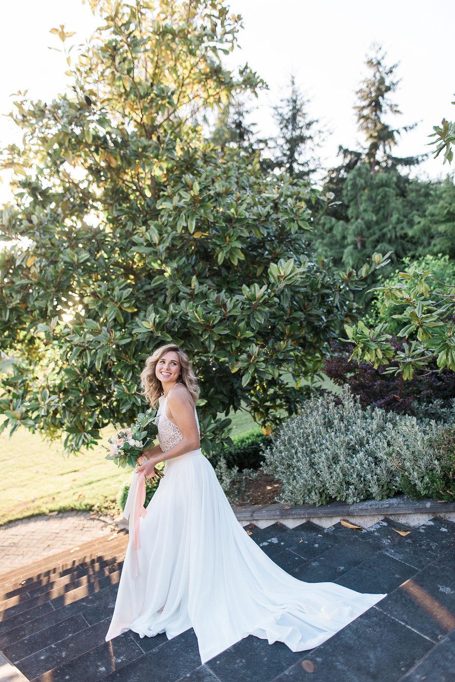 Watercolor & wallpaper wedding inspiration shoot