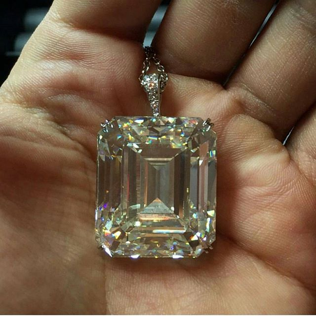 Check out this tiny little 103.66ct diamond pendant necklace...no big deal or anything. • • • www.GetROCKD.com • • • #bigwhitediamonds #Emerald #CUSTOMJEWELRY #NYC #blackdiamonds #rochester #love #instagood #buffalo #instahub #HongKong #Luxury #ootd #beauty #photooftheday #albany #bestintheworld #beautiful #rare #round #diamonds #bronx #igers #gems #amazing #diamond #syracuse #emeralds #instagramhub #luxurylife
