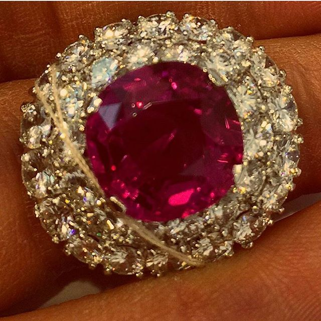 The Jubilee Ruby - Oval shaped Burmese No Heat Ruby weighing 15.99cts mounted in a platinum and 18k gold signed Verdura. · · · www.getrockd.com · · · #Ruby #Christies #Jewelry #Jewellery #JewelryLovers #JewelleryLovers #ILoveJewelry #diamond #ruby #emerald #pieceofart #jewels #jewel #fashion #gems #gem #gemstone #bling #love #beautiful #ootd #style #fashionista #accessory #instajewelry #stylish #cute #jewelrygram #fashionjewelry