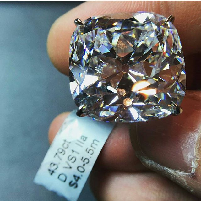 At 43.79ct we've got another little rock for y'all to take a gander at. · · · www.GetROCKD.com · · · #luxury #CUSTOMJEWELRY #NYC #blackdiamonds #rochester #love #instagood #buffalo #instahub #HongKong #Luxury #SMILE #beauty #photooftheday #albany #bestintheworld #beautiful #rare #round #diamonds #bronx #igers #gems #amazing #emerald #syracuse #emeralds #instagramhub #queens #diamond