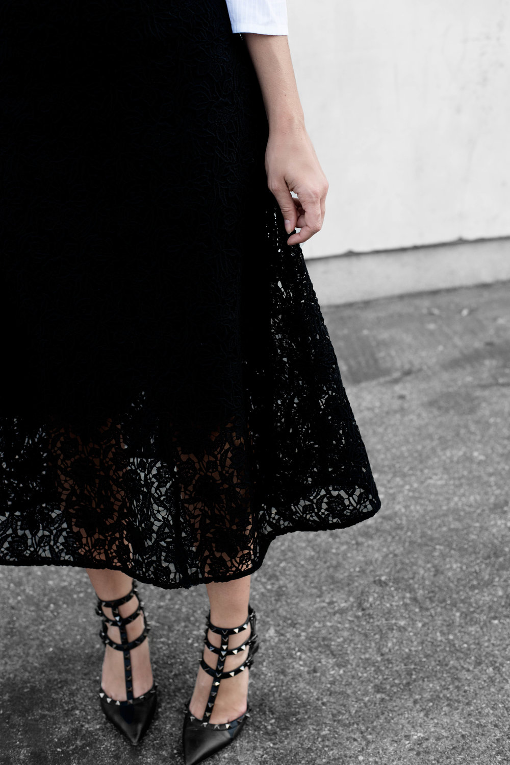 LACE SKIRT VALENTINO PUMPS.jpg