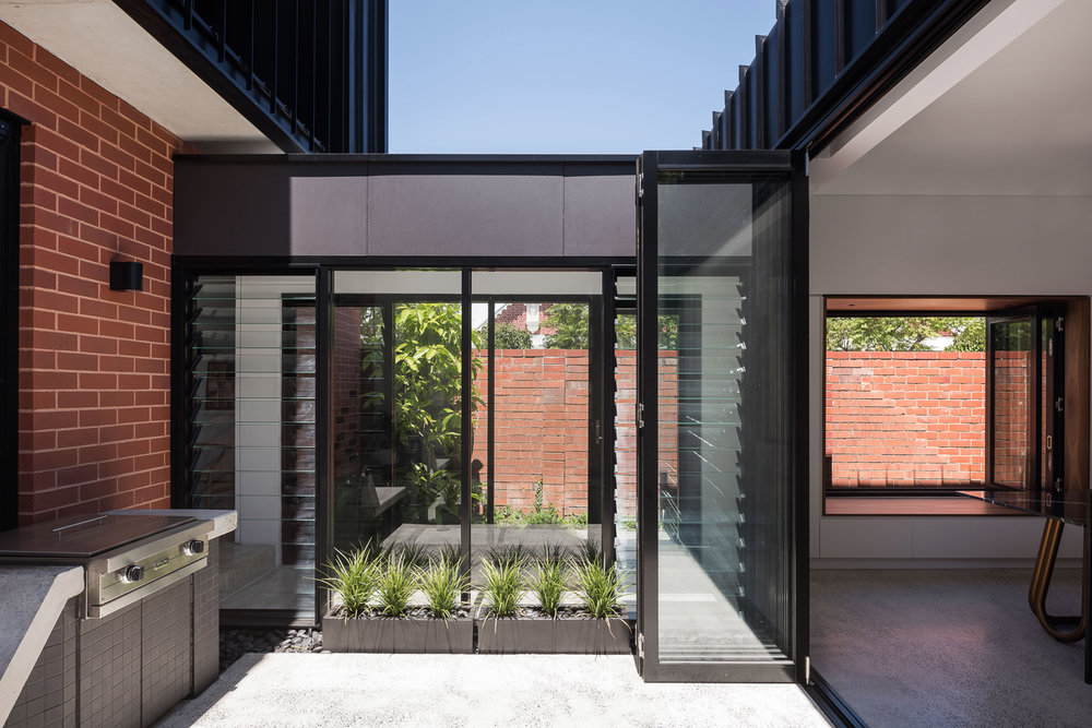 King George by Robeson Architects - Courtyard