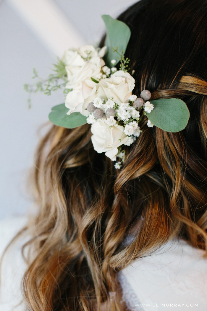 white floral bridal headpiece