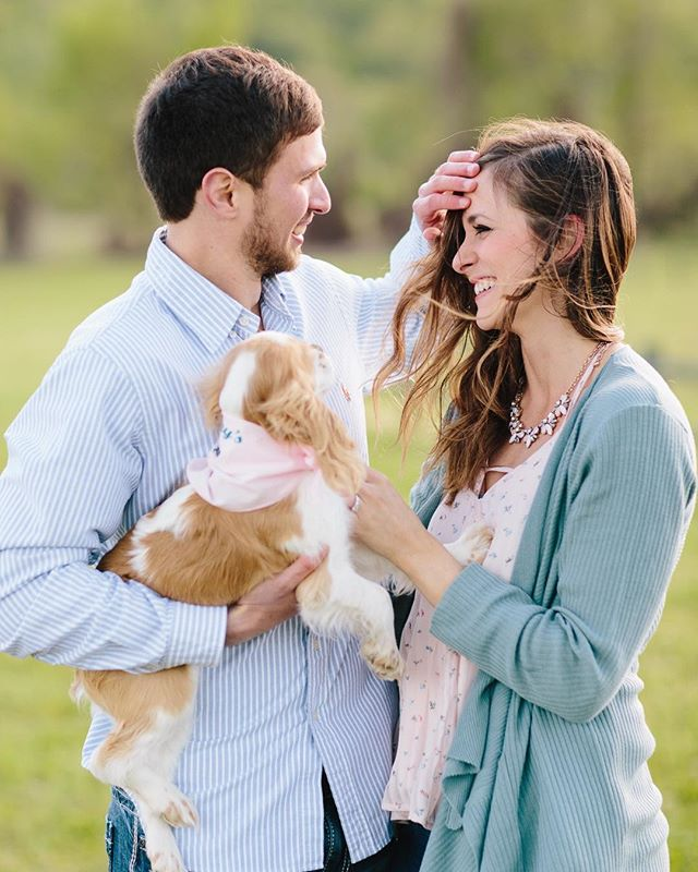 We had SO much fun photographing Leslie and Brandt's e-session the other day!! Aren't they the cutest!!??