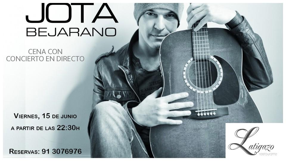 Jota Bejarano en restaurante Latigazo v2.jpg