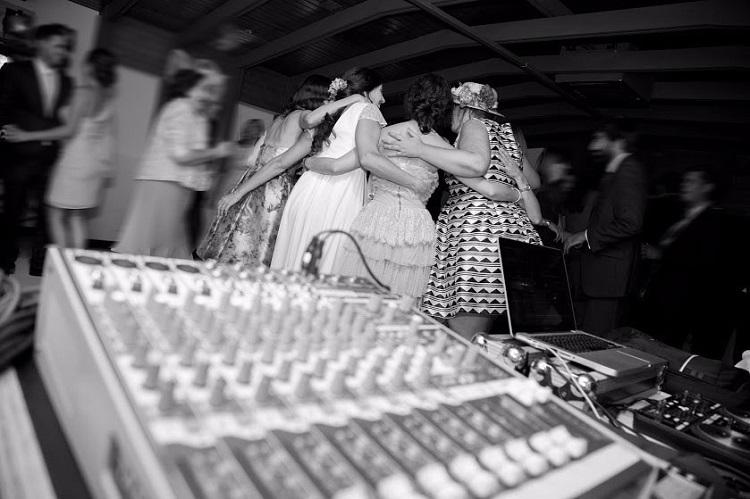 Musica y baile en boda - restaurante Latigazo
