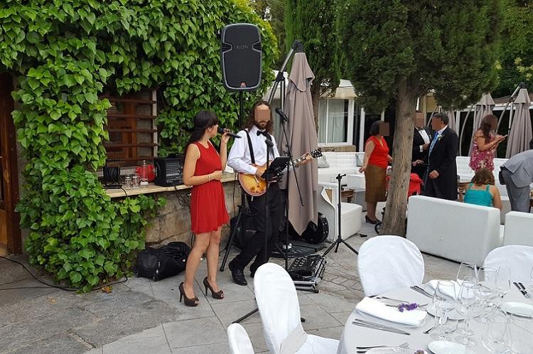 Amenizacion musical en una boda en Latigazo restaurante