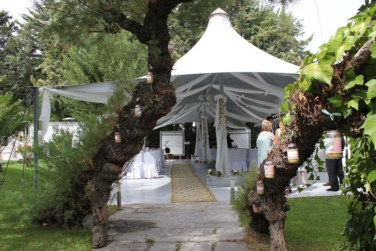 Zona ajardinada - Terraza Carpa Private - restaurante Latigazo