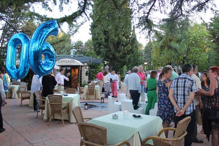 Celebracion de cumpleaños en terraza - Latigazo restaurante