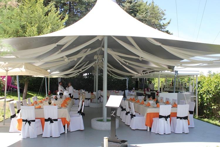 Banquete en terraza para comunion - Latigazo restaurante