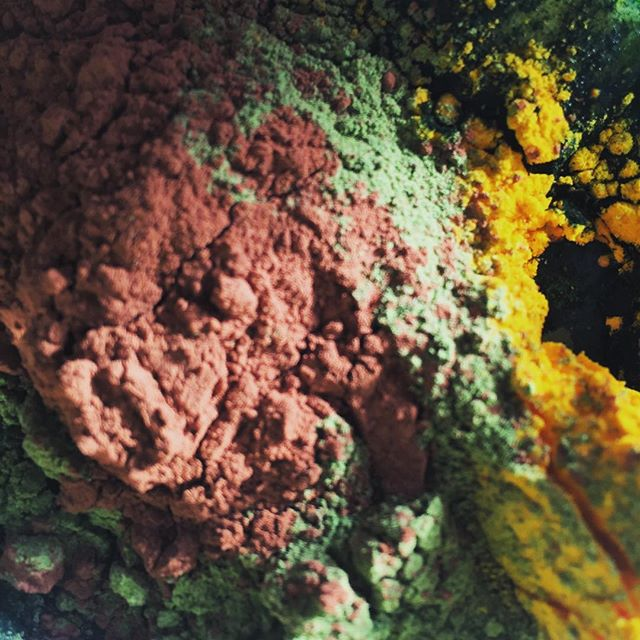 All my powders that go into my healthy smoothie before being blended!  Going to use this colour combo in one of my pieces of work! it really reminds me of John Hoyland's 11.6.71!- spirulina, wheatgrass, cacao powder, curcumin powder!  #healthysmoothie #colourfulsmoothie #Colourful