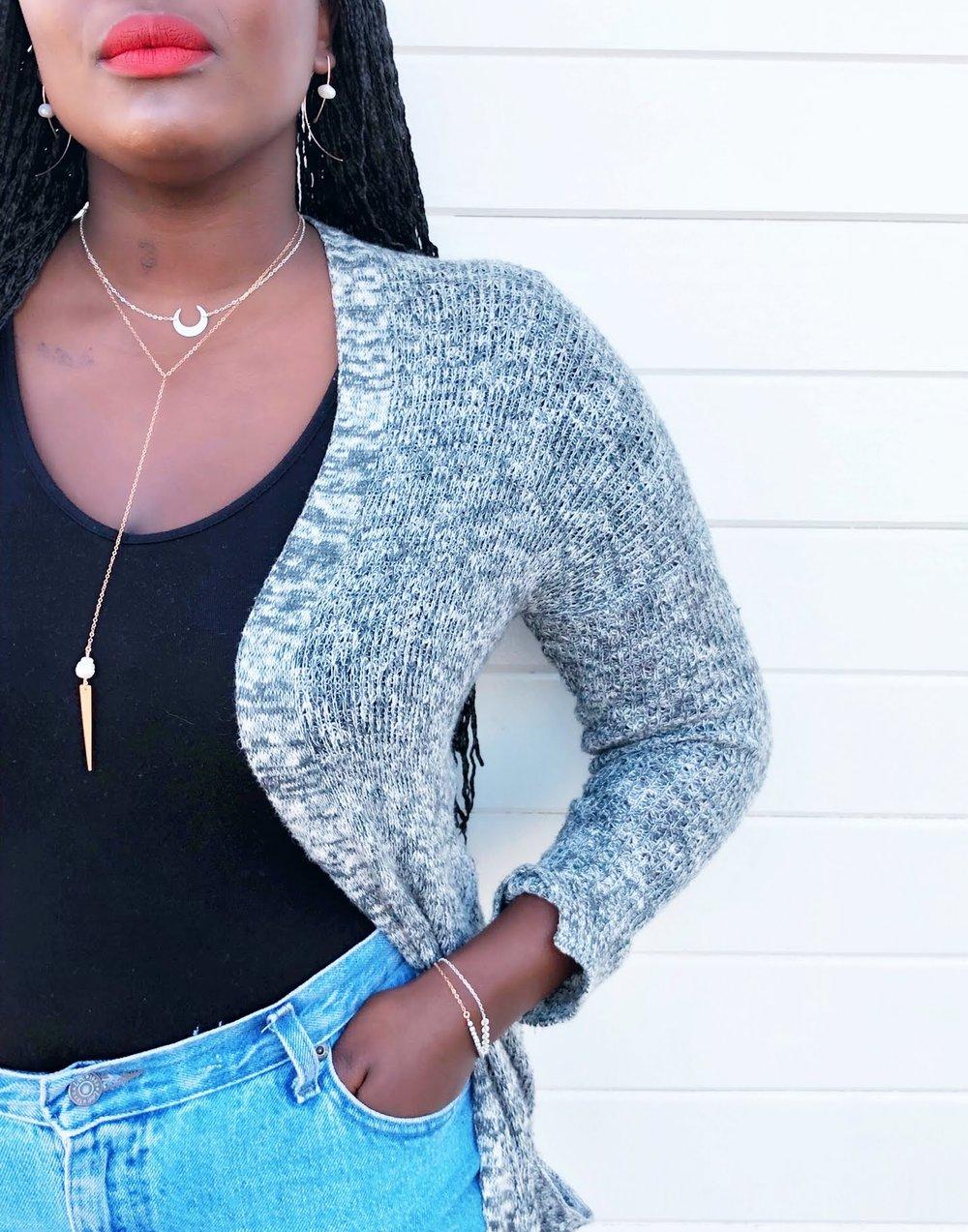 2. A clean, Modern Twist on pearls... -