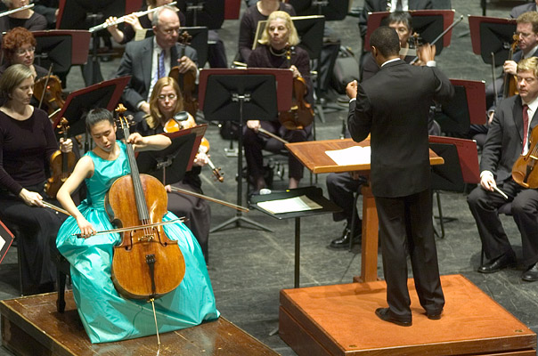 Deborah Pae, Thomas Wilkins, and the New Jersey Symphony Orchestra (2005)