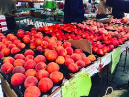 Mouthwatering peaches and nectarines at Santa Monica's farmers market