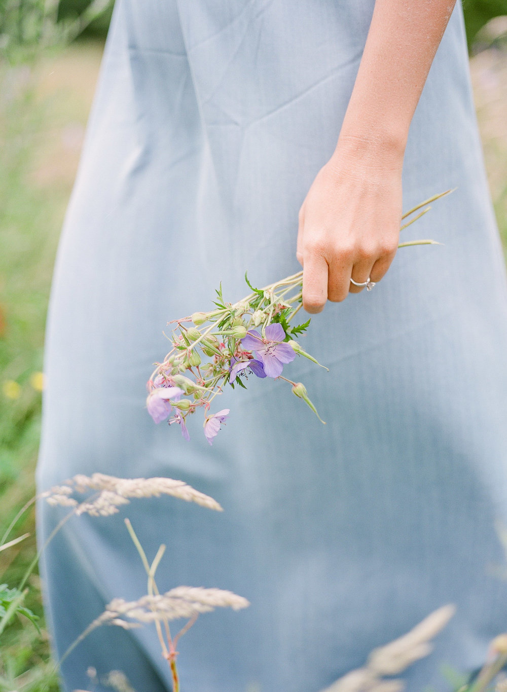 wild wedding flowers in london by imogen xiana