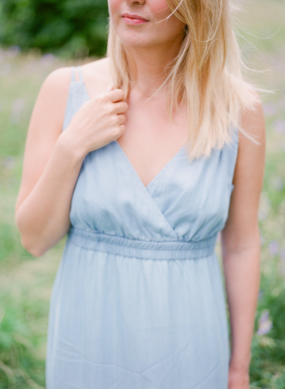 blue maxi dress worn by dressr blog