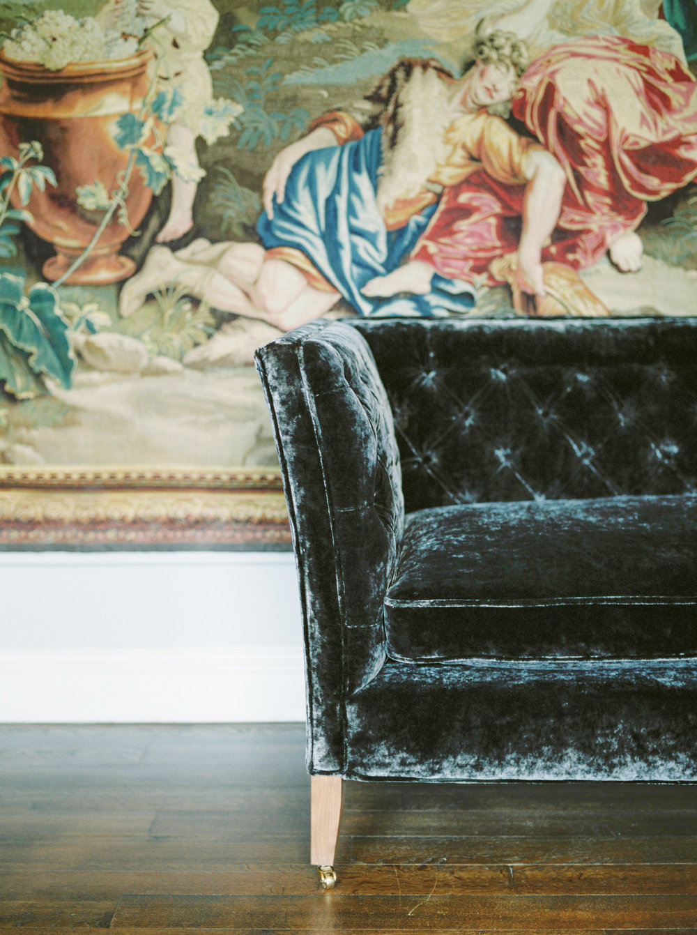 velvet couch at st giles  house