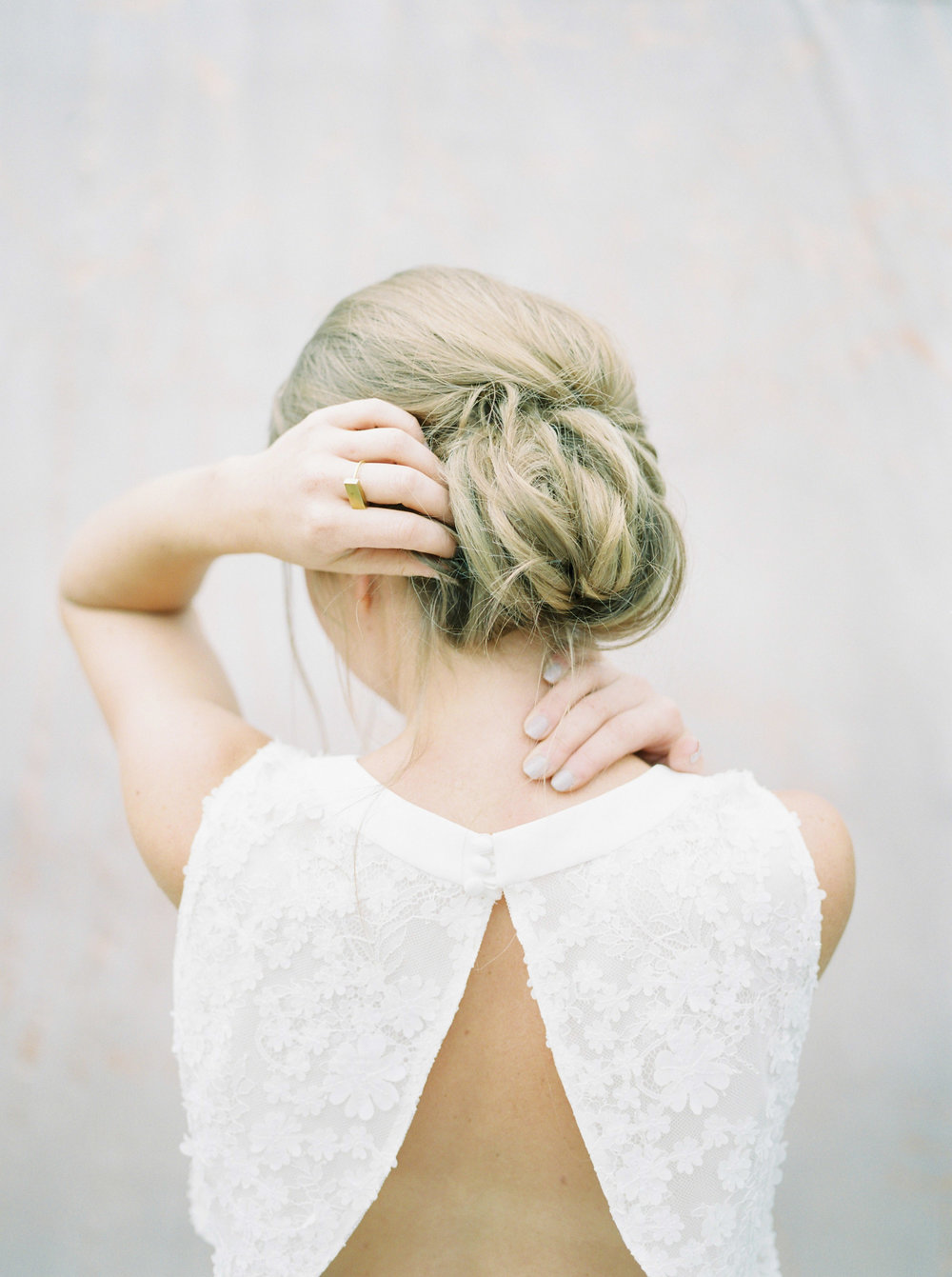 natural wedding hair and open back dress by imogen xiana wedding photography