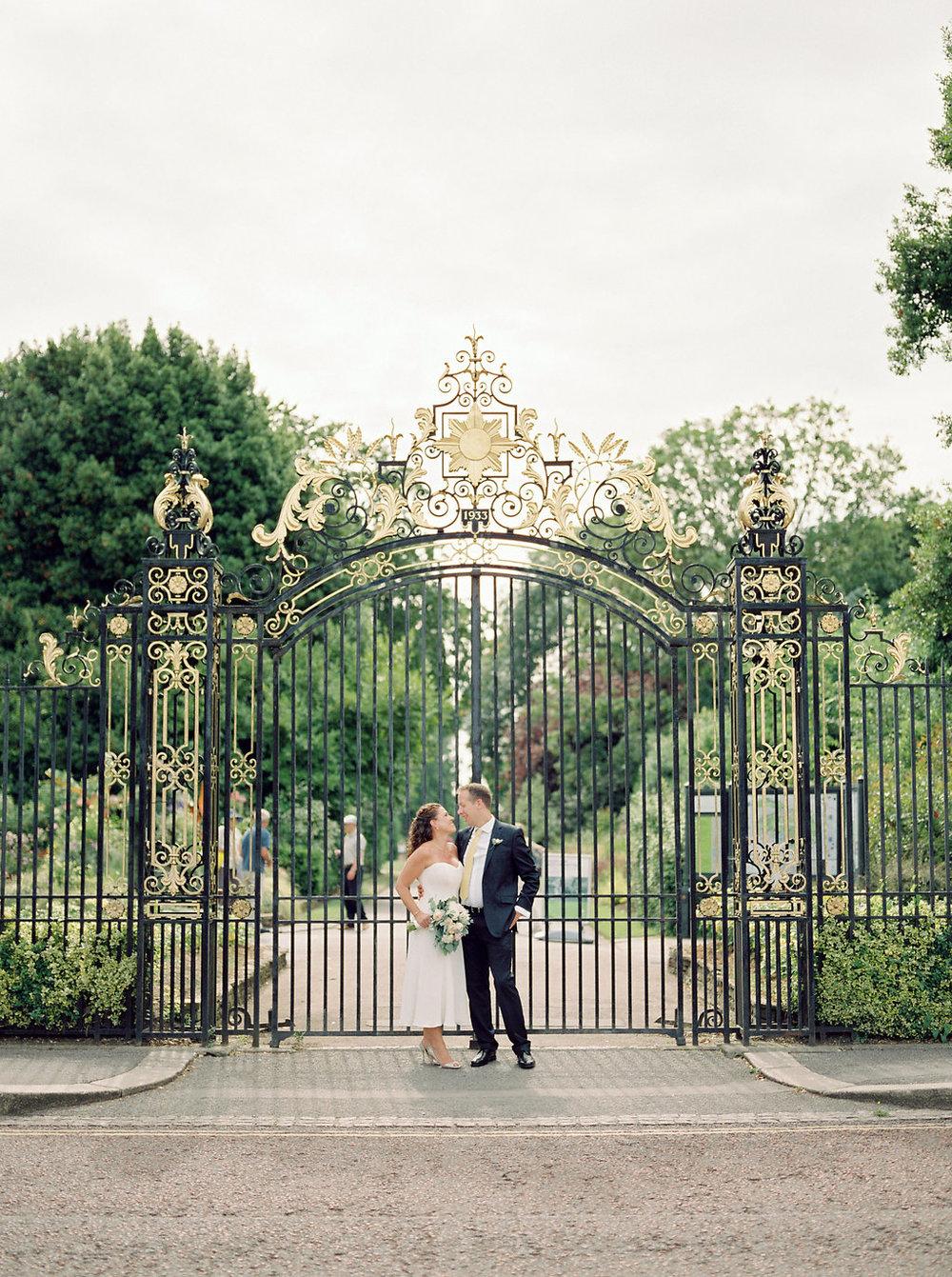 queen mary rose garden wedding photos in london