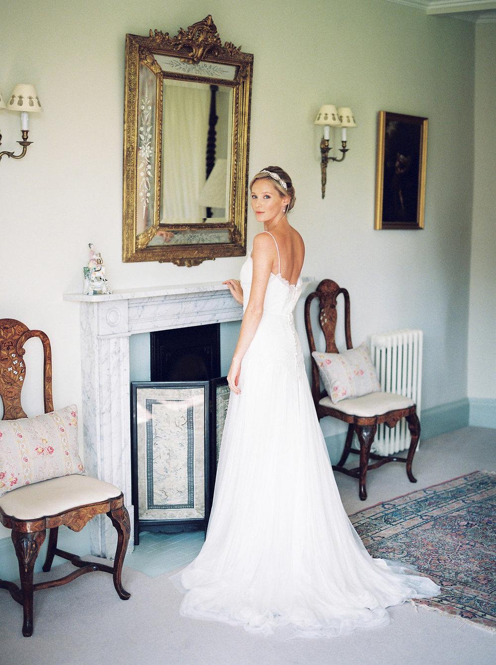 a bride getting ready by imogen xiana