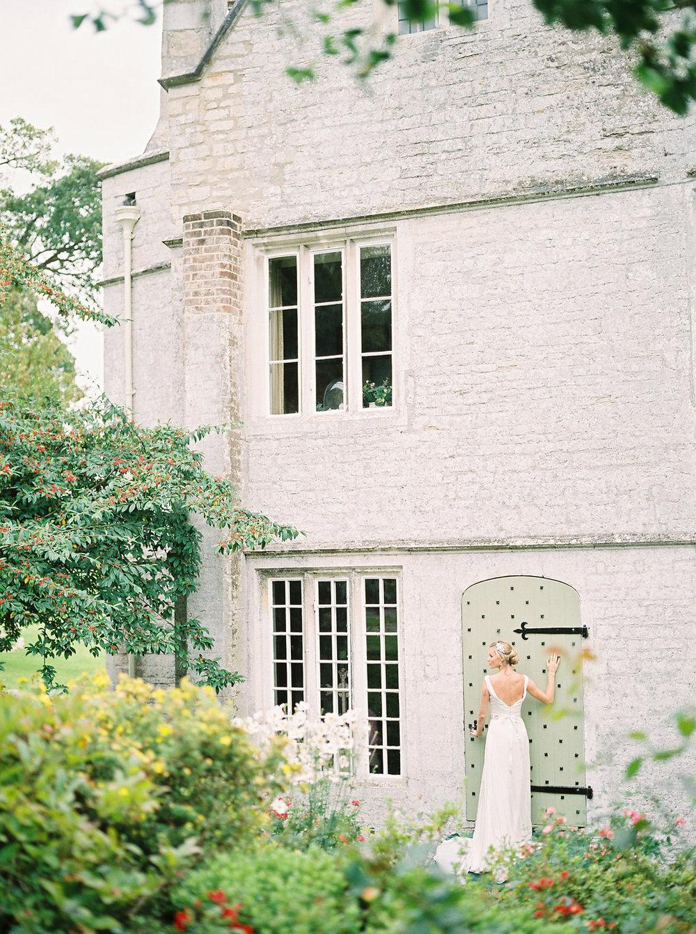 warmwell house wedding venue in dorset photo by imogen xiana