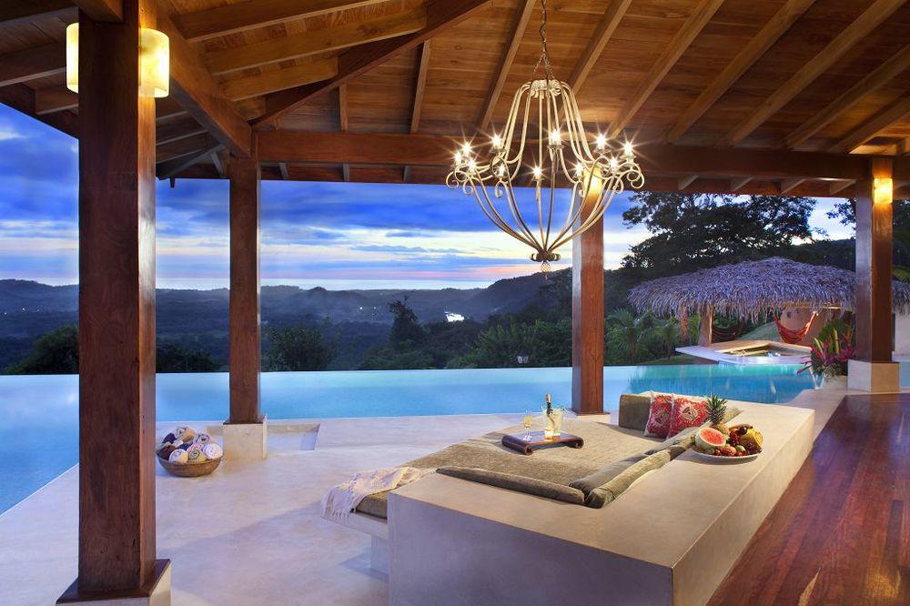 komp-FincaAustria_Casa Colibrì_terrace-2.jpg