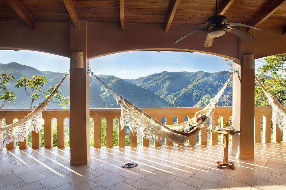 komp-FincaAustria_Villa Mariposa_terrace-5.jpg