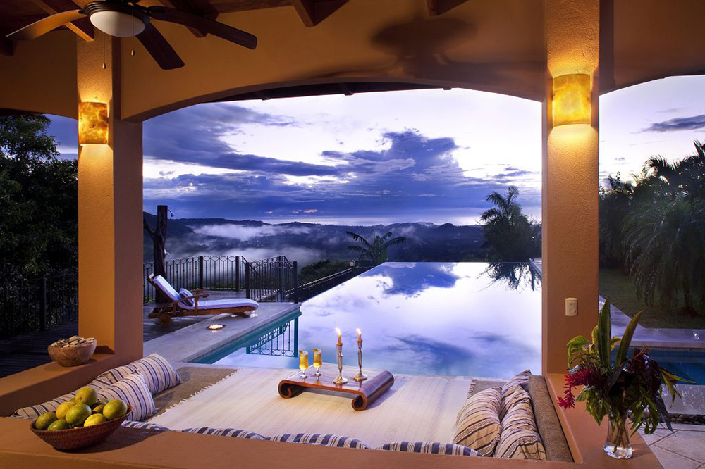 komp-FincaAustria_Villa-Mariposa_view1.jpg
