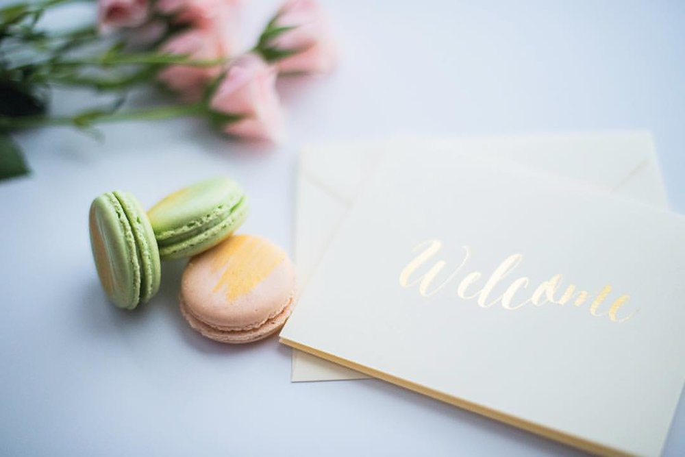 Paper Dreams + Keepsakes | Http://www.paperdreamsllc.com | New York Stationery Designer | Branded Gold Fold Welcome Cards