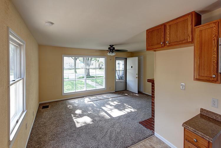 Sale_3746N62nd_interior4.jpg
