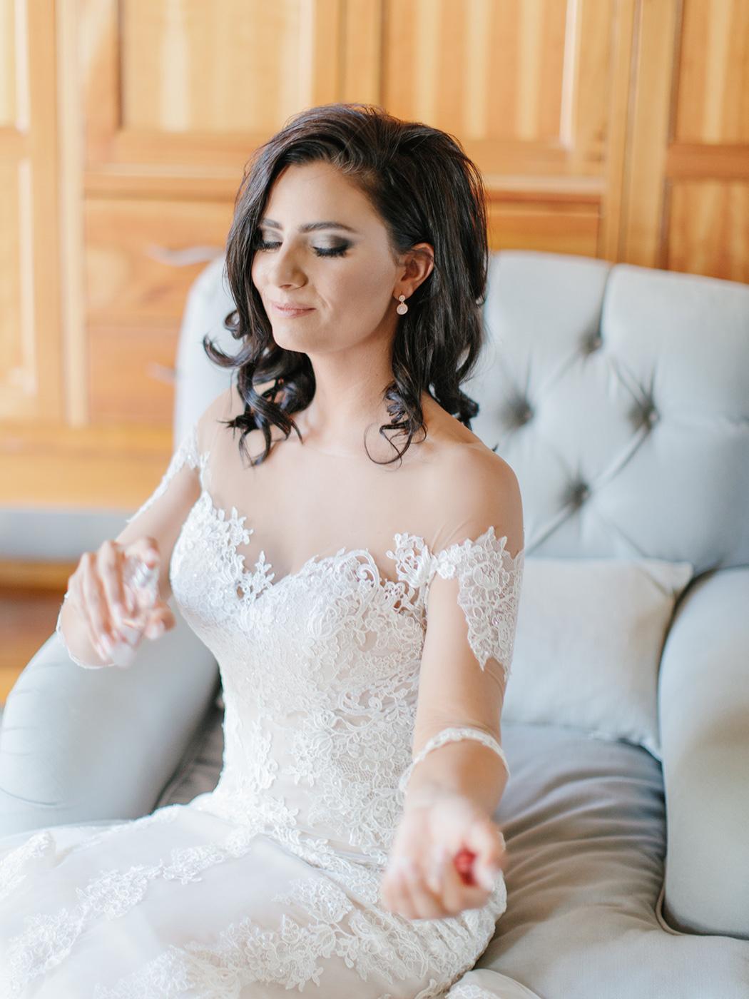 9457b57e21f8 Venue Steenberg Estate   Dress Fe'Amor Bridal Boutique   Make-Up & Hair  Donna Taylor   Jeweler Estelle Lourens Juwele   Flowers To-nett's Flowers &  Decor