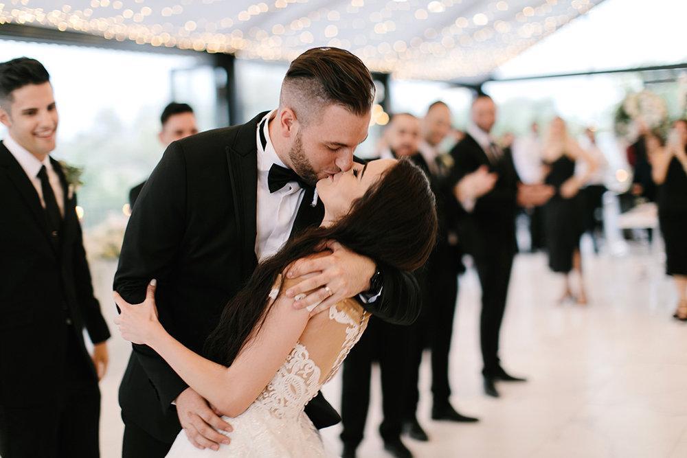 Bride & Groom Kiss | Rensche Mari