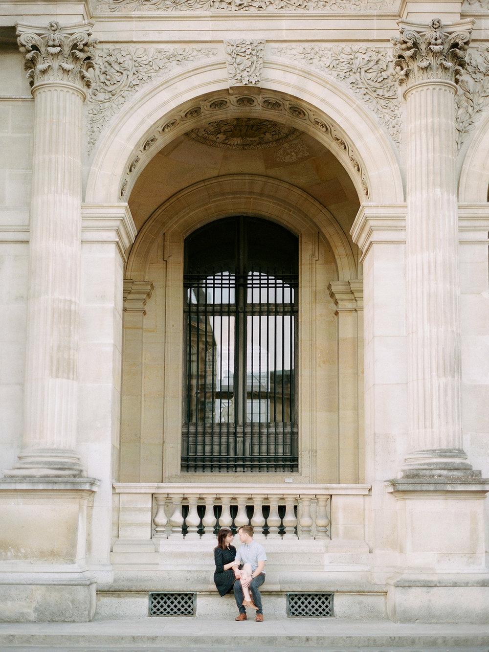Louvre Couple Shoot | Rensche Mari