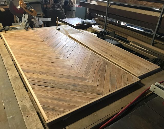 Table top and bench are ready for stain and clear coat. These were both made using old flooring that was torn out of buildings in Chicago. Swipe to see the before and let me know what you think! #reclaimedwood #chicago #recycle #upcycle #furnituredesign