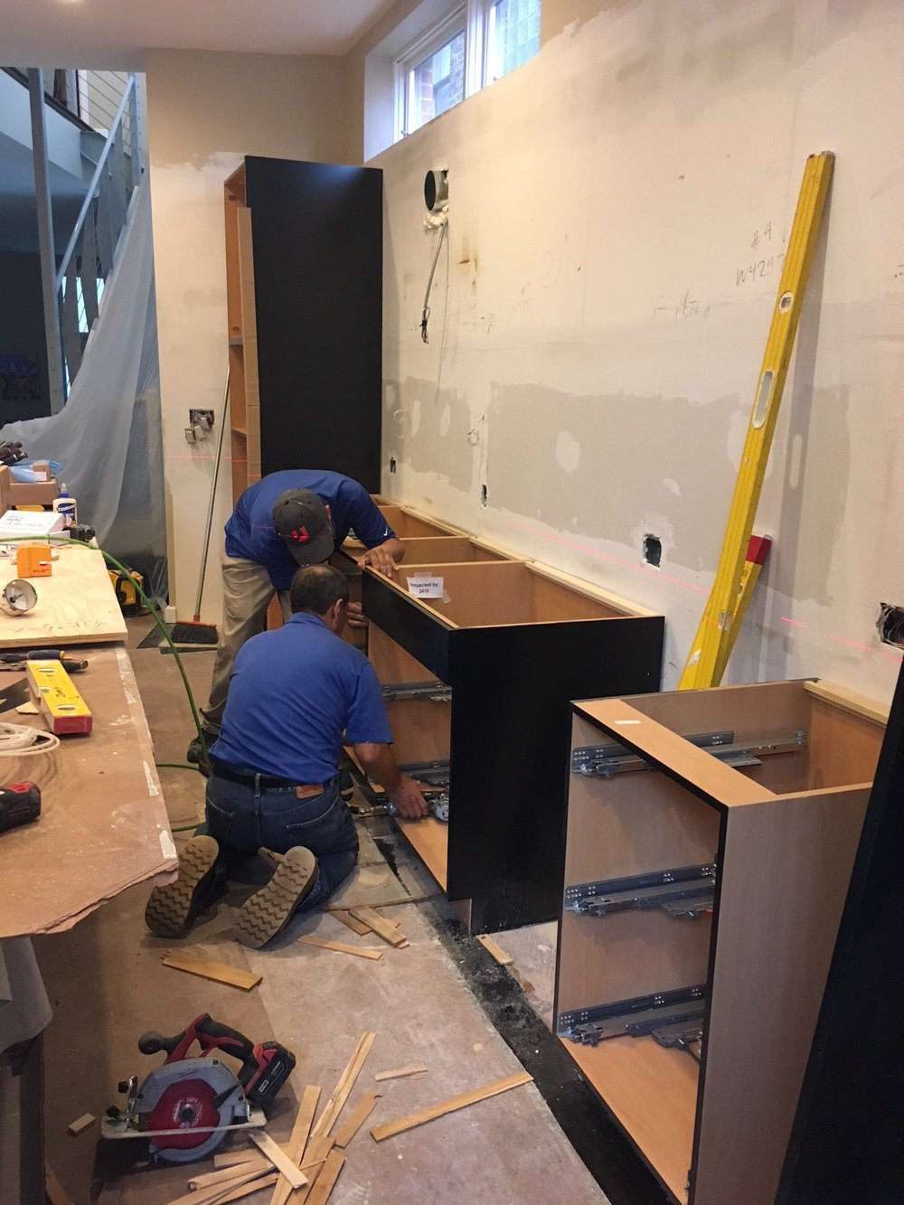 kitchen-cabinet-installation