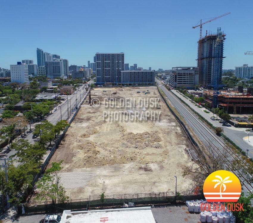 Chiquita Banana Midtown Miami.jpg