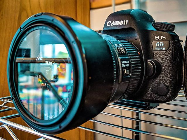 Been running this 6D2 with the 16-35mm IS... Great for have held + gimbal setup's!