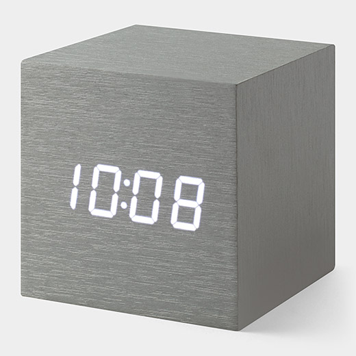 108023_A2_Alume_Cube_Clock.jpg