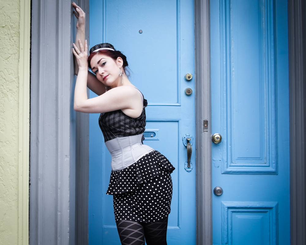 Pop Antique Tie-Back Bombshell Integrated Corset | Model: Victoria Dagger | Photo © Alyxander Ryan