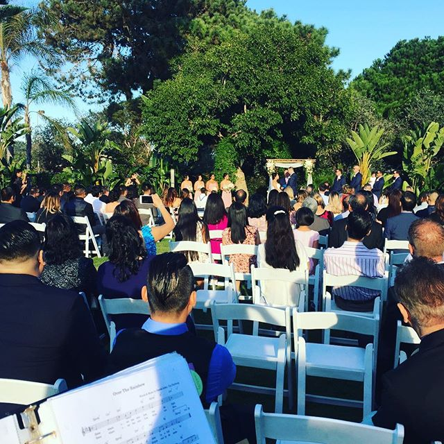 Congratulations to Carolyn & Matthew!! #thedanamissionbay #sandiegowedding #hannahsmithevents #musicbyheidi #sandiegoweddingmusic #soloviolin