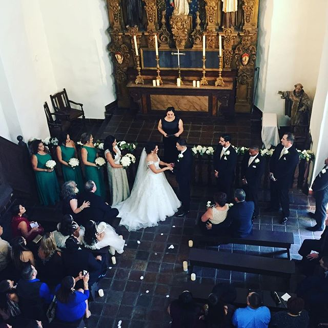 My view of Anna & Alex's gorgeous #balboapark wedding yesterday! Loving this super sweet couple and those teal bridesmaid dresses! 😍 #balboaparkwedding #sandiegowedding #sandiegoweddingmusic #musicbyheidi #violin #stfrancischapel